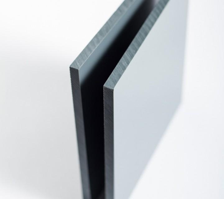 planche en pvc compact gris sur mesure